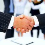 Handschlag zwischen Geschäftsleuten